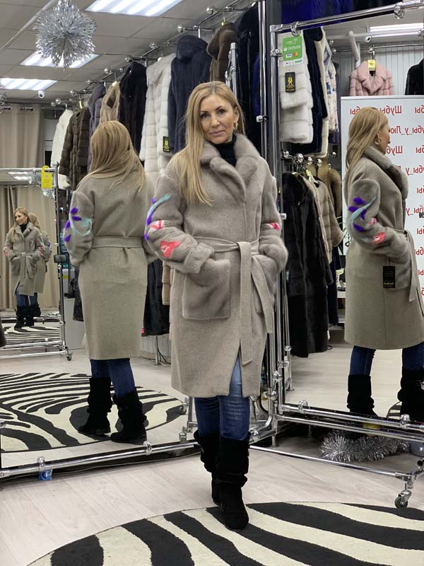 Пальто из кашемира с рукавами из норки и воротником шанель, цвет серый