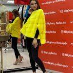 Желтый свитер из норки без воротника