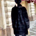 Натуральная норковая шуба «Махагон» с воротником стойка и рукавами - трансформер, цвет черный